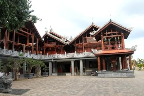 Thăm chùa do Thân Mẫu vua Bảo Đại khởi dựng - ảnh 14