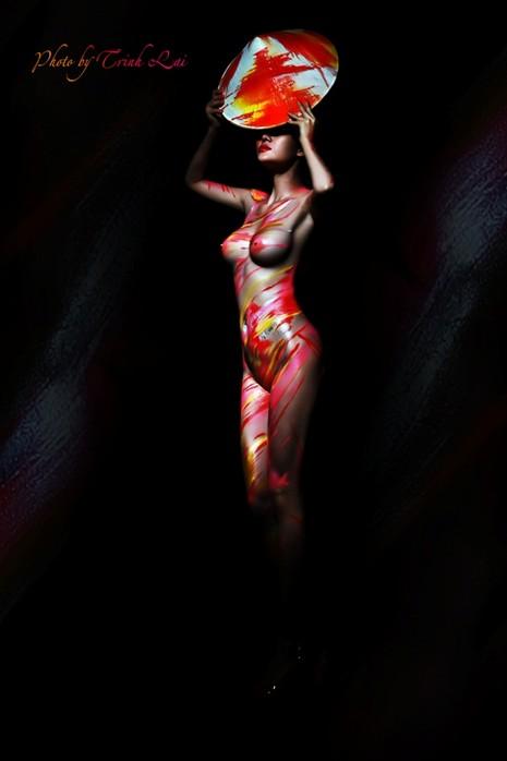 Thưởng thức nghệ thuật body painting qua những tác phẩm nóng bỏng  - ảnh 9