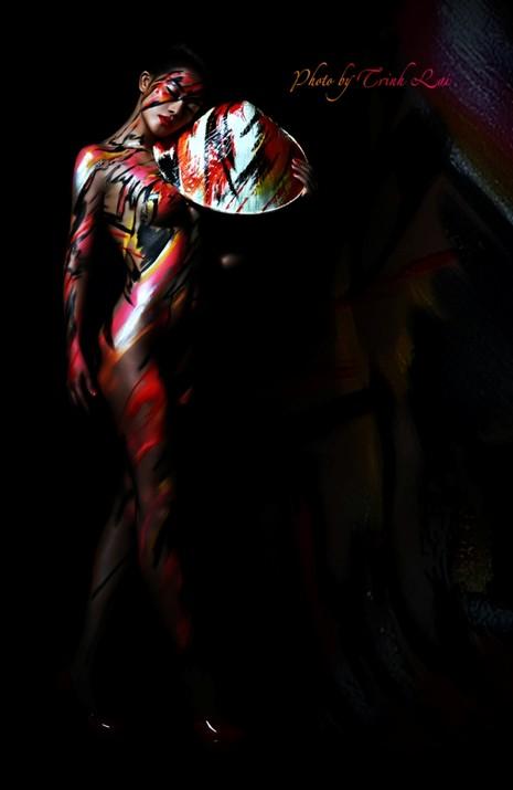 Thưởng thức nghệ thuật body painting qua những tác phẩm nóng bỏng  - ảnh 5