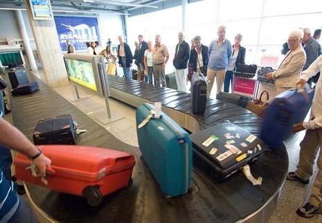 Mất hành lý ở sân bay: 'Ai trồng khoai đất này?' - ảnh 6
