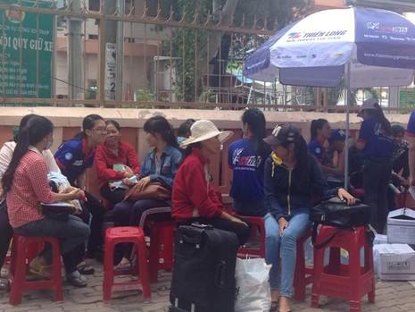 Hàng ngàn sĩ tử bắt đầu đổ về Sài Gòn - ảnh 3