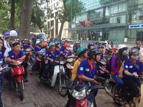 Hàng ngàn sĩ tử bắt đầu đổ về Sài Gòn - ảnh 5