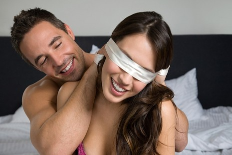 Những trò chơi thú vị trong phòng ngủ - ảnh 1