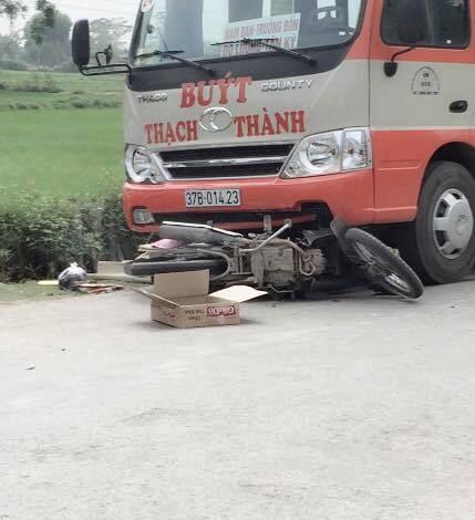 Hai vụ tai nạn xe khách liên tiếp trên đường quốc lộ - ảnh 1
