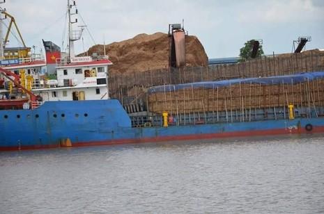 Vụ cấp phép tàu quá khổ di chuyển là vì… lỗi kỹ thuật - ảnh 1
