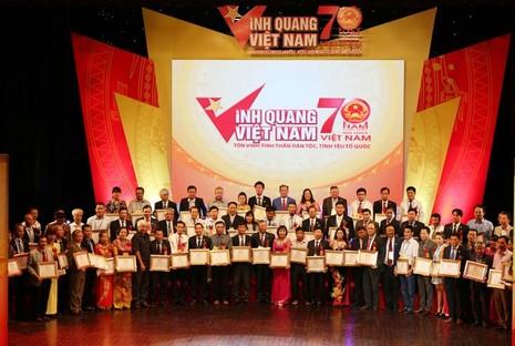 Vinh quang Việt Nam 2015: Hướng về lòng dân - ảnh 6