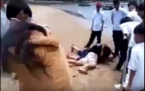 Xuất hiện clip nữ học sinh đánh nhau tại Bãi Trước, TP.Vũng Tàu - ảnh 1
