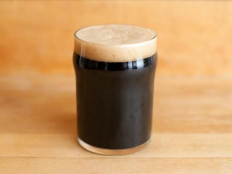 3 cách uống bia hỗ trợ chuyện 'yêu' - ảnh 3