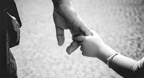 Mẹ đơn thân nghẹn ngào khi người tình chịu trả lại con - ảnh 1