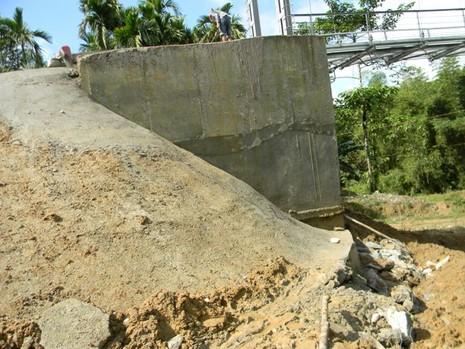 Khắc phục xong sự cố cầu treo 3 tỉ mới xây đã hỏng - ảnh 3