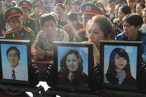Xử vụ thảm sát Bình Phước: Dương, Tiến lãnh án tử, Thoại 16 năm tù  - ảnh 40