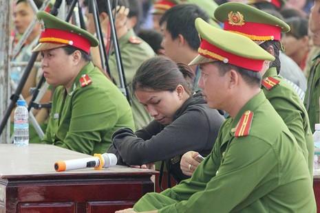 Xử vụ thảm sát Bình Phước: Dương, Tiến lãnh án tử, Thoại 16 năm tù  - ảnh 17