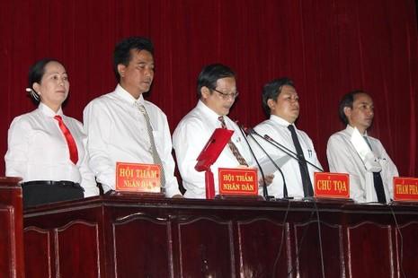 Xử vụ thảm sát Bình Phước: Dương, Tiến lãnh án tử, Thoại 16 năm tù  - ảnh 1