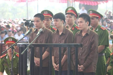 Xử vụ thảm sát Bình Phước: Dương, Tiến lãnh án tử, Thoại 16 năm tù  - ảnh 25
