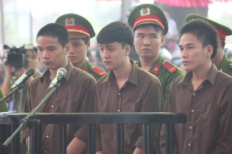 Những điểm lạ của phiên tòa xử vụ thảm sát Bình Phước - ảnh 4
