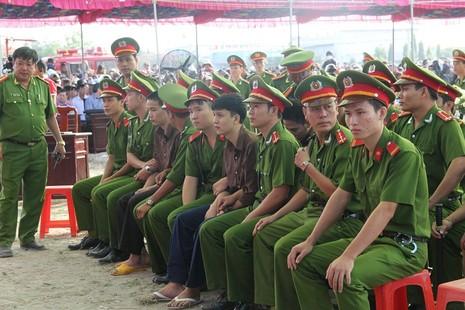 Xử vụ thảm sát Bình Phước: Dương, Tiến lãnh án tử, Thoại 16 năm tù  - ảnh 8