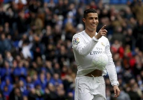 """Cú """"poker"""" của Ronaldo làm câm lặng những kẻ chỉ trích - ảnh 1"""