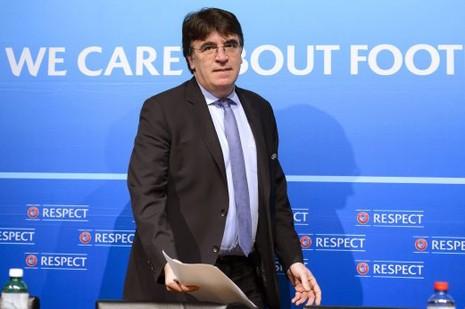 Ào ạt chiến dịch bôi nhọ tân tổng thư ký UEFA - ảnh 1