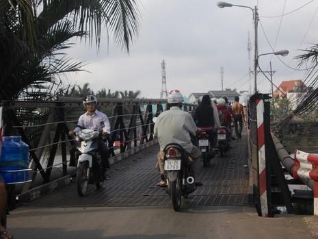 Hơn 900 tỉ đồng xây mới, thay thế 2/4 cầu yếu huyện Nhà Bè - ảnh 1