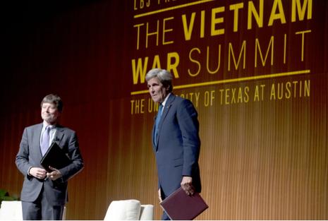 Ngoại trưởng Mỹ rơi nước mắt khi nói về chiến tranh Việt Nam - ảnh 1