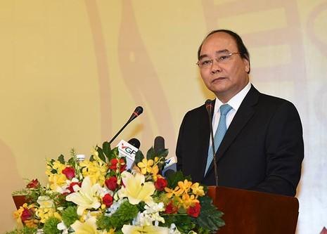 Thủ tướng gặp doanh nghiệp: Các bộ trưởng cam kết quyết liệt cải cách - ảnh 1