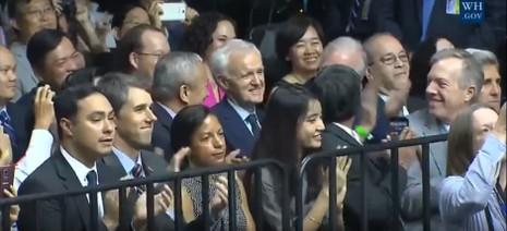 Những điều Tổng thống Obama nhắn gửi giới trẻ Việt Nam - ảnh 5