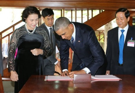 """Dấu ấn Obama qua những câu nói """"để đời"""" tại Việt Nam - ảnh 13"""