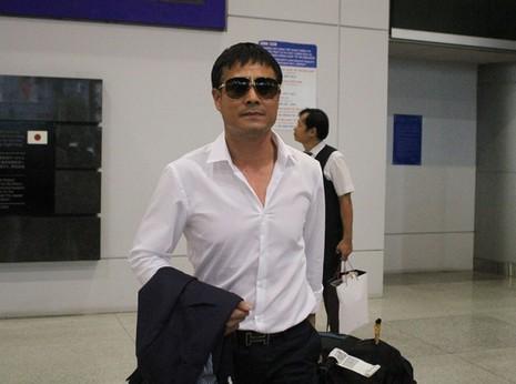 Hơn 10 CĐV đón đội tuyển Việt Nam - ảnh 2