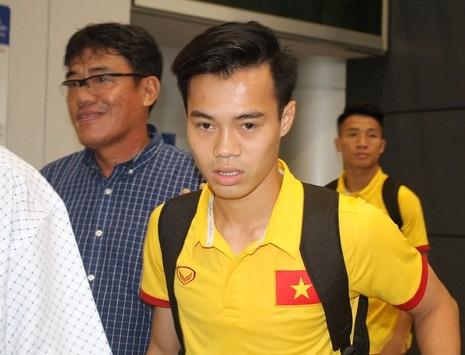Hơn 10 CĐV đón đội tuyển Việt Nam - ảnh 5