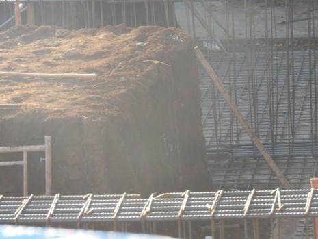 Tai nạn lao động, 1 nữ công nhân bị đất chôn vùi  - ảnh 1