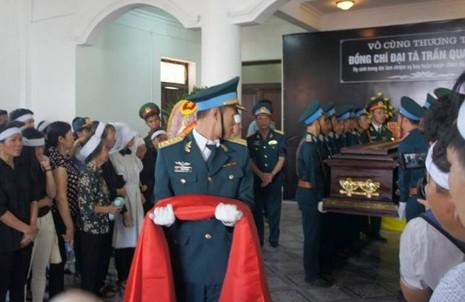 Lễ truy điệu Đại tá phi công Su-30 Trần Quang Khải: Đưa Anh về đất mẹ - ảnh 10