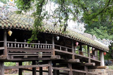 Cận cảnh cây cầu quý xứ Huế trước ngày trùng tu - ảnh 1