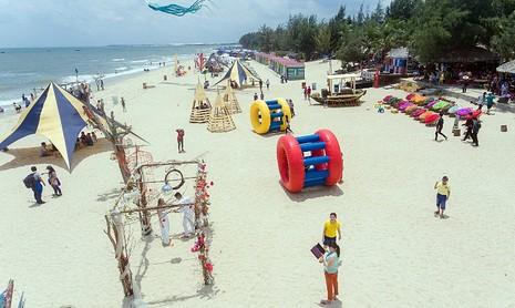 Độc đáo cuộc đua xe bò trên bãi biển ở La Gi - ảnh 2