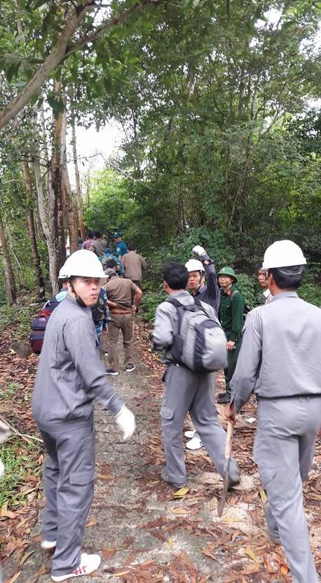 4 hướng tiếp cận tìm trực thăng mất tích trên núi Dinh - ảnh 2