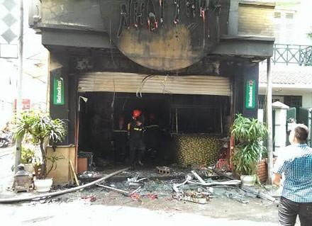 Cháy quán karaoke và những cái chết trong phòng kín - ảnh 1