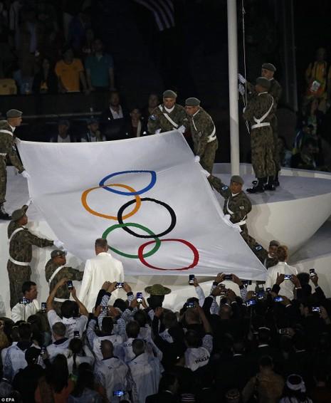 Chùm ảnh: Lễ khai mạc Olympic Rio diễn ra hoành tráng - ảnh 21