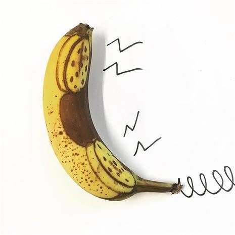 Những bức tranh minh họa hài hước được vẽ từ chuối - ảnh 8
