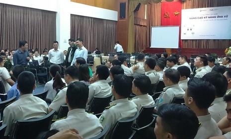 Sân bay Tân Sơn Nhất cải thiện ứng xử với 'thượng đế' - ảnh 2