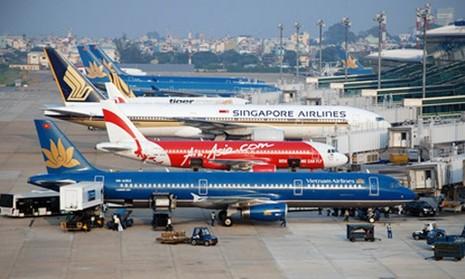 Chuyến bay qua vùng trời Việt Nam và vùng thông báo bay do Việt Nam quản lý, mức thu tương ứng 61-253USD/chuyến bay đối với cự ly bay dưới 500km