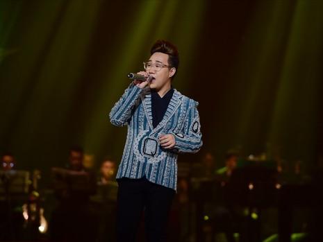 Liveshow Việt Anh và lưng chừng xúc cảm - ảnh 5
