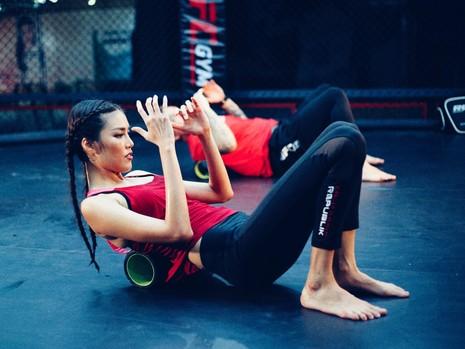 Lan Khuê 'đấu' võ với vô địch MMA - ảnh 4