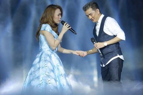 Dàn sao 'khủng' về quê, hát mừng Đà Nẵng 20 mùa hoa - ảnh 1