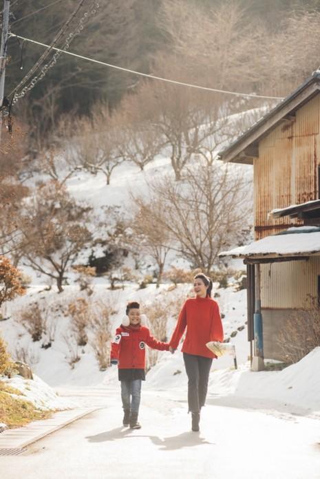 Đông Nhi dẫn học trò sang Nhật quay hình cho MV mới - ảnh 1