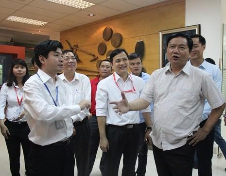 Bí thư Thăng: 'Lương kỹ sư CNTT 8-10 triệu, làm sao sống?' - ảnh 1