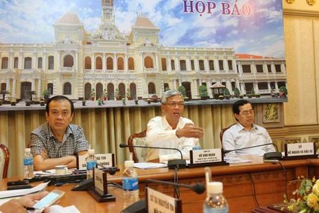 Vụ bí thư Thăng yêu cầu cách chức trưởng phòng ở Hóc Môn: Phải chờ - ảnh 1