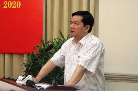 Bí thư Thành ủy TP.HCM Đinh La Thăng phát biểu tại hội nghị. Ảnh: TÁ LÂM