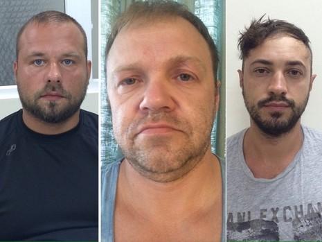 Tạm giam ba người Nga dùng thẻ giả rút tiền  - ảnh 1