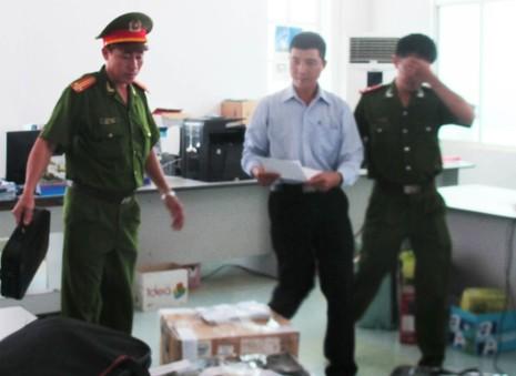 Nguyên giám đốc Sở TT&TT tỉnh Phú Yên bị khởi tố trong 2 vụ án - ảnh 2