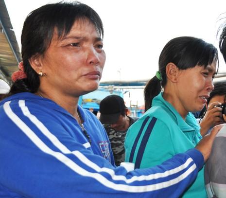Nghi tàu nước ngoài cố tình tông chìm tàu cá Việt Nam ở Hoàng Sa - ảnh 5