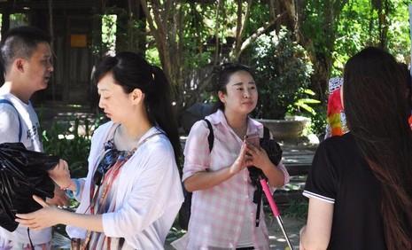 Hướng dẫn viên Trung Quốc hoạt động chui